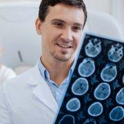 低度恶性胶质瘤治疗新进