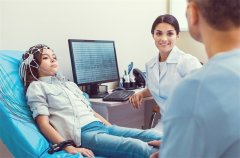 低级别胶质瘤手术切除范